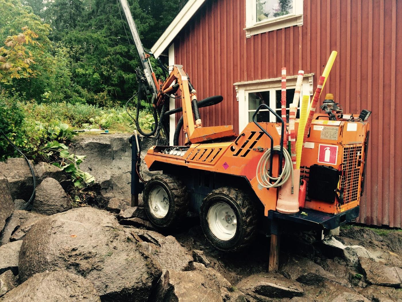 Bergsprängning vid en villa i Stockholm.